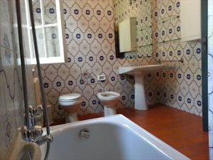 Villa degli Allori : Bathroom with tube
