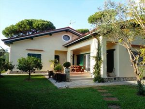Villa Salome villa singola in affitto Forte dei Marmi