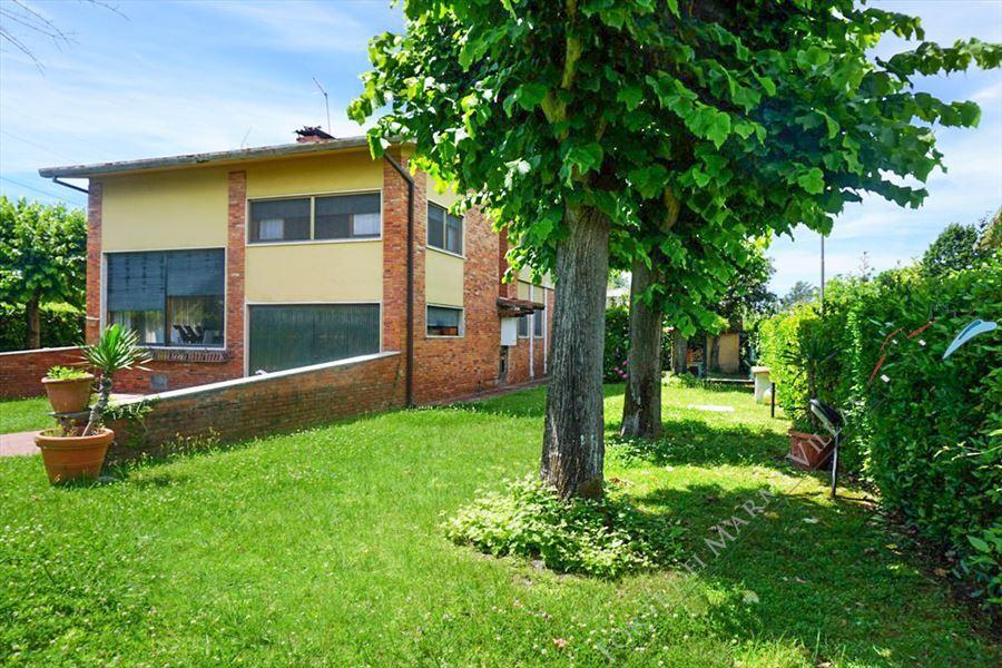 Villa Melania : Vista esterna