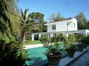 Villa Belsole : Vista esterna